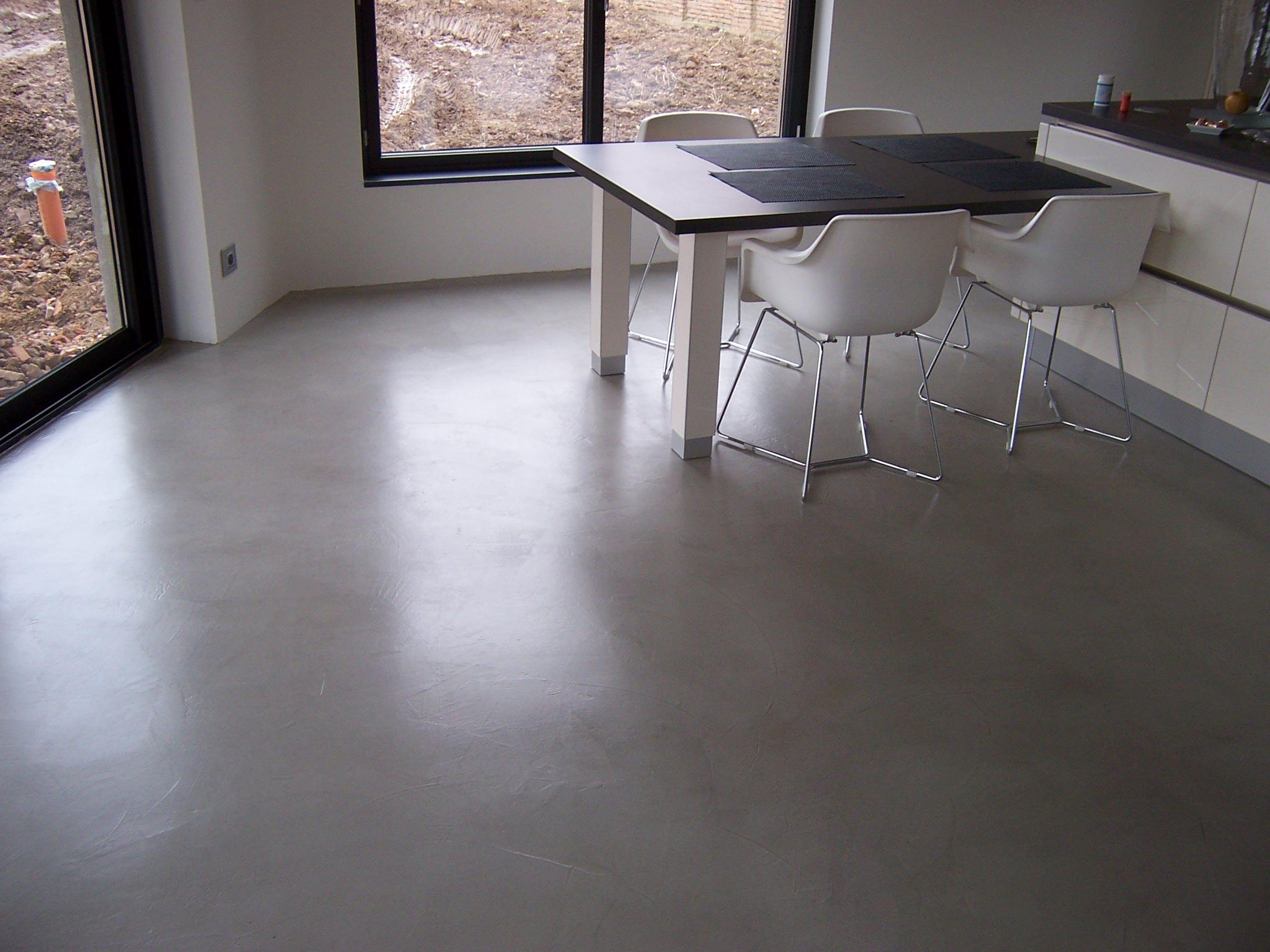sol cuisine bton cir bton cir brillant effet marbre sol en bton cir dune cuisine beton cire. Black Bedroom Furniture Sets. Home Design Ideas